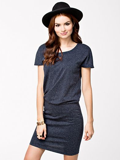 Addison Short Dress - Vero Moda - Black Iris - Doordeweekse Jurken -  Kleding - Vrouw
