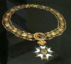 Napoleon's Collar of the Legion of Honour (Légion d'Honneur) Type 2e. Era Medal, Epoca Napoleonica, Royals, Napoleon Era, Légion D Honneur, Militaria Napoleonica, Napoleon Collars, Honour Légion, Honour Medal