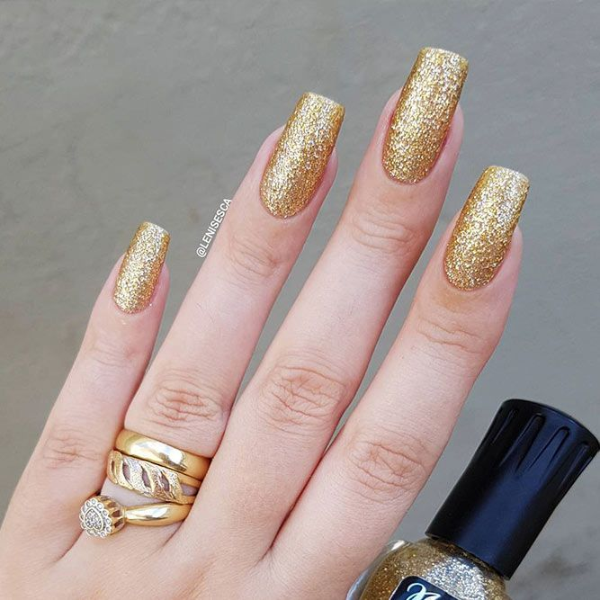 18 Gel Nails Designs for Your Complete Look ★ Square Shape Gel Nails Picture 3 ★ See more: http://glaminati.com/gel-nails/ #gelnails #naildesings