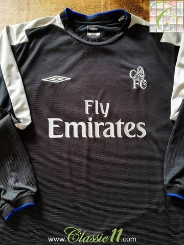 Official Umbro Chelsea away long sleeve football shirt from the 2004 05  season. dbdc49167