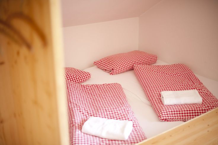 Schon einmal im Bettenlager übernachtet?