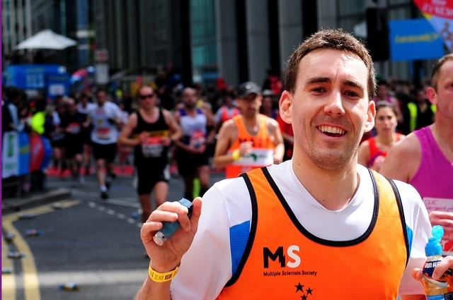 Neil @ London Marathon 2012    Mile 19, Canary Wharf