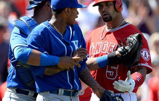 Pujols pega HR en revés de Anaheim; Yordano contribuye a barrida de Kansas City