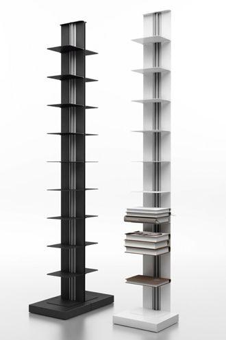 Systemtronic Usio (staand, dubbele schappen) | Materiaal: Alumunium frame en stalen schapjes | Afmetingen: Breedte: 24.8 cm Diepte: 50.2 cm (over 2 schappen bekeken) Hoogte: 163.9 cm | Prijs: € 618,00 | dit is een strakke, moderne kast, die weinig ruimte inneemt, maar met veel opbergruimte. |      https://www.puurdesign.nu/usio-standing-v