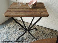 Table à manger carrée Parnasse, déco atelier, Hanjel