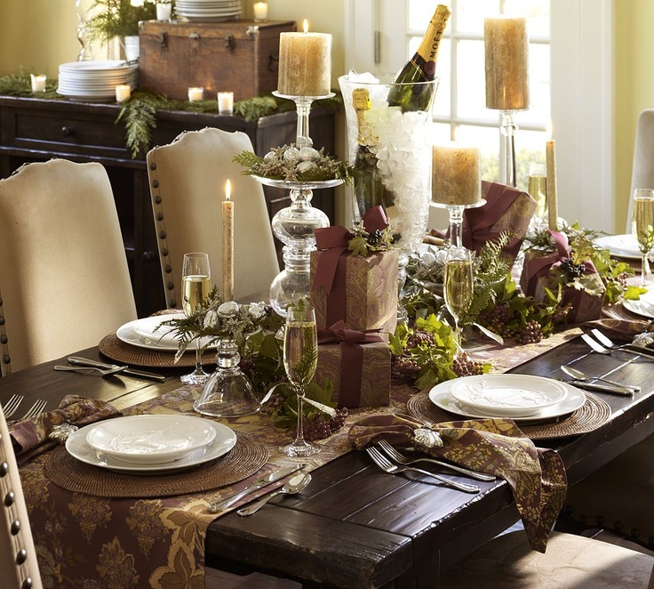 Christmas table brown cream gold green christmas for Dining table decoration ideas home