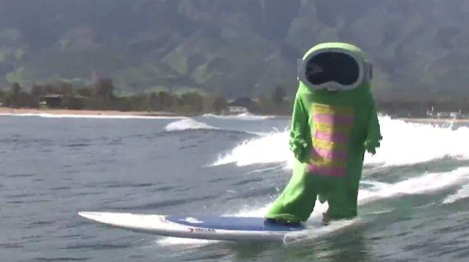 ガチャピンがノースショアでサーフィンしてる件   naminori - サーフィンの総合情報サイト