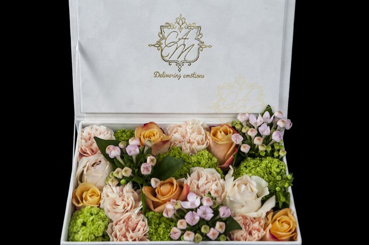 Flower box for a new born baby girl Luxury velvet box with Flowers
