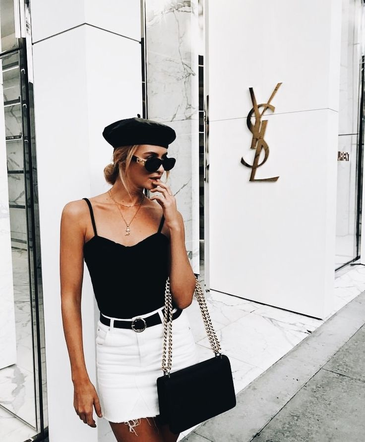 Black and white always right. The beret is the cherry on top. | Street Style in 2019 | Pinterest | Summer outfits, Outfits and White summer outfits