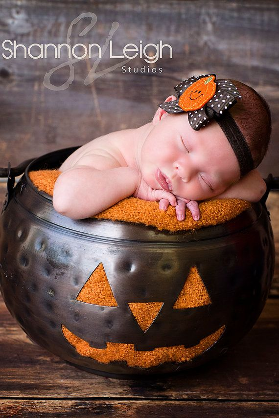 best 25 halloween baby pictures ideas on pinterest fall baby photos baby pumpkin pictures and baby halloween photography - Baby First Halloween
