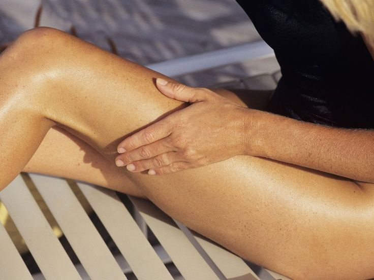 Straffe Haut dank manueller Lymphdrainage: Diese Methode macht Schluss mit Cellulite!