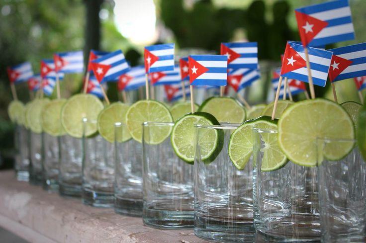 Transformación total! FIESTA CUBANA!! Escenario, mobiliario, tarimas, mesa de postres, entretenimiento, organización y coordinación de eventos!  www.facebook.com/pmasideco