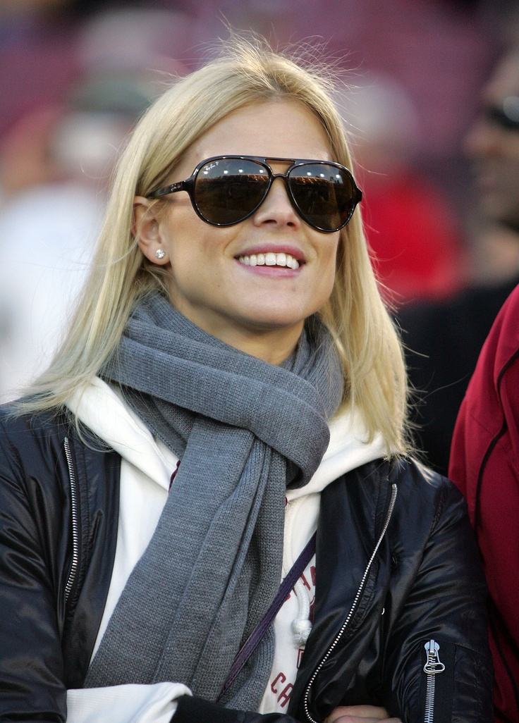 Elin Nordegren was commencement speaker at her recent graduation from college.  She completed college as a single mom, taking in stride her very public marital woes with Tiger Woods.  She's definitely a woman of substance and a role model.