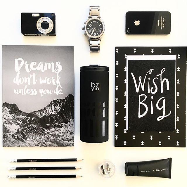 Ready to travel! Black & white co-ordination 👌 #bzyoo #coffee #menstyle #womenstyle #style #australia #travel #decor #home #homedecor #homewares #travelling #love #beauty #beautiful #black #white #inspiration #nixon #iphone