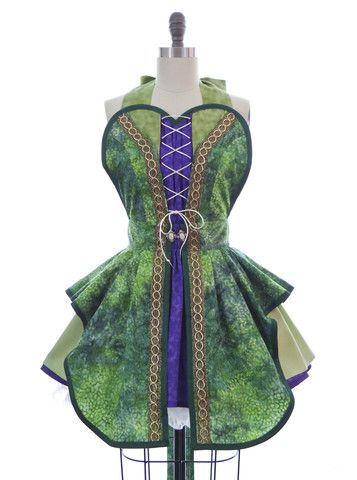 Hocus Pocus Green Witch Apron-throw on a black cloak n pointy hat n you have an easy witch costume