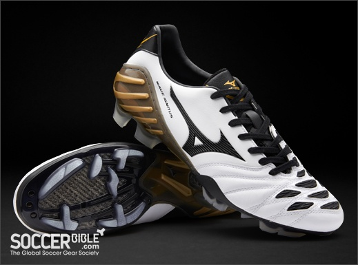 Mizuno Wave Ignitus 2 Football Boots - Pearl/Black/Gold - http://www.soccerbible.com/news/football-boots/archive/2011/11/01/mizuno-wave-ignitus-2-football-boots-pearl-black-gold.aspx