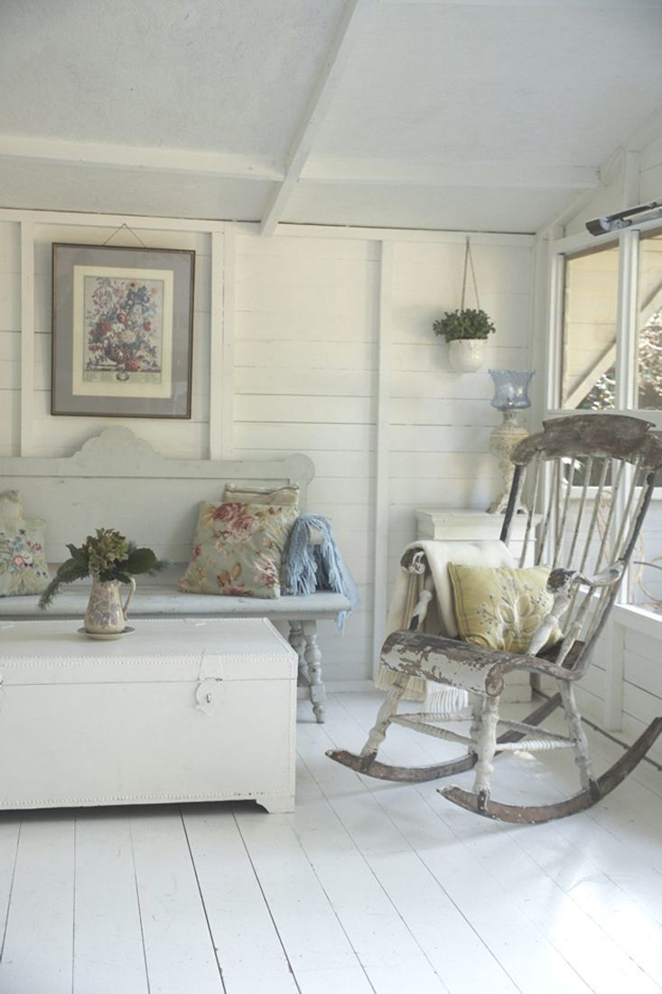 Set of armchairs and rocking chairs just out from beneath the shelter - Space In My Life Recovered Furniture And Vintage Decor House Tour A Special House House Tour A Very Special House Great Rocking Chair