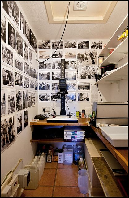 White walls or black? with photos pasted it to themGareth Harpers, House Ideas, White Walls, Darkroom Photography, Darkroom Studios, Small Spaces, Art Design Photography, Cameras, High Schools