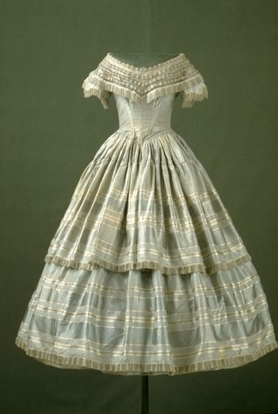 Evening dress (front) ca. 1840  From the Musée du Costume et du Textile du Québec