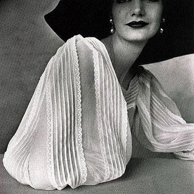 MADELEINE VIONNET - Années 40