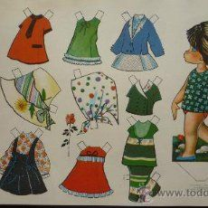 18 laminas recortables de muñecas, seriadas y fechadas 1970. D. 36 cm x 26 cm.