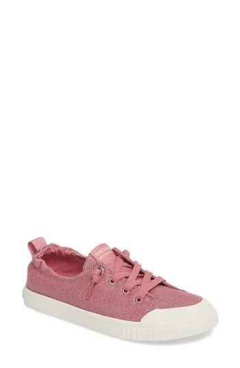 TRETORN MEG SLIP-ON SNEAKER. #tretorn #shoes #