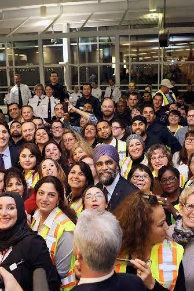 'This Is Canada': Photo Of Crowd Welcoming Syrian Refugees Is Diversity In A Nutshell