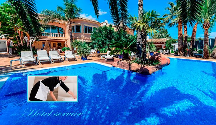 Villa Xenofilia III, zeer grote luxe en rijkelijk gedecoreerde villa. (450 m2) met hotelservice, indien gewenst. Vijf tot zeven slaapkamers, fitness, groot te verwarmen zwembad op eveneen zeer groot en feëriek terras.