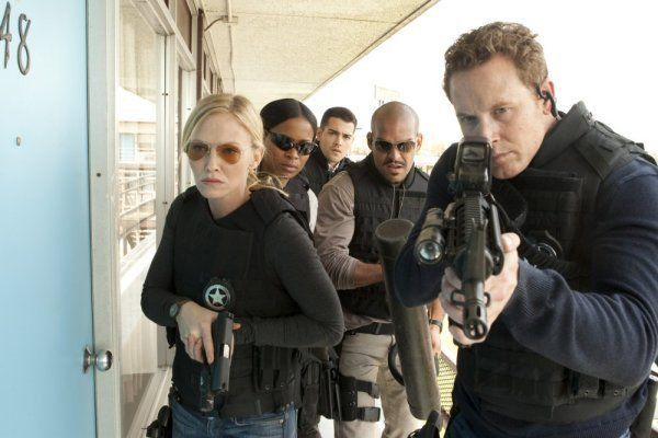 Still of Cole Hauser, Jesse Metcalfe, Rose Rollins, Amaury Nolasco and Kelli Giddish in Chase (2010)