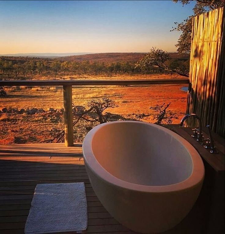 How does a relaxing massage on an open air spa deck with a view sound? Book your stay and spa treatments, visit www.mhondoro.com/facilities/spa. Image: www.instagram.com/l.m.johnson0193