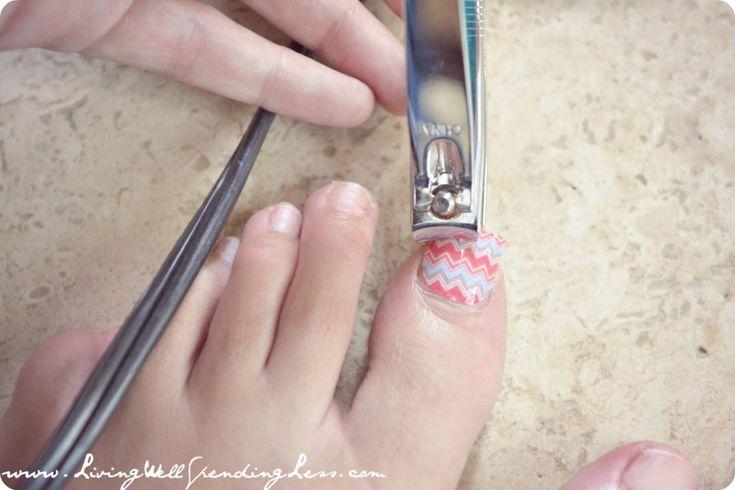 DiY Chevron Manicure & Pedicure Tutorial | Jamberry Nails
