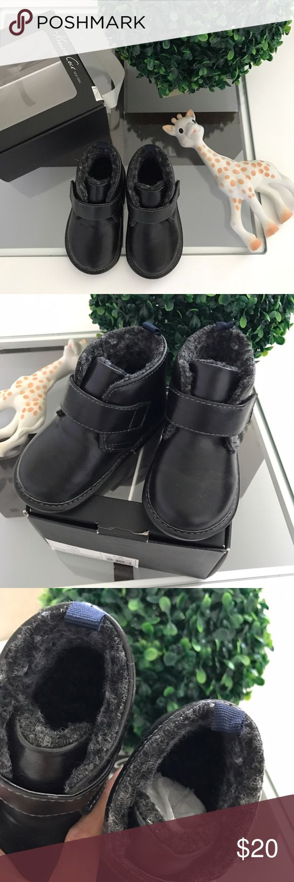 NWT Kenneth Cole baby boy  dress shoes boots sz 4 Super adorable for your lil ones dress up days! Super soft inside. Comes with orig box size 4 Kenneth Cole Shoes Dress Shoes