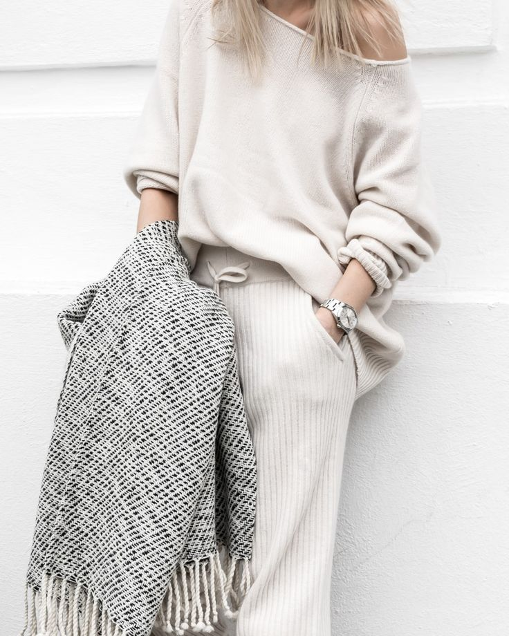 seriously sophisticated loungewear — curated by ajaedmond.com   capsule wardrobe   minimal chic   minimalist style   minimalist fashion   minimalist wardrobe   back to basics fashion