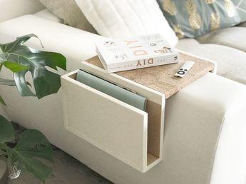 Hágalo usted mismo: bandeja de sofá en tiza blanca con detalles de corcho