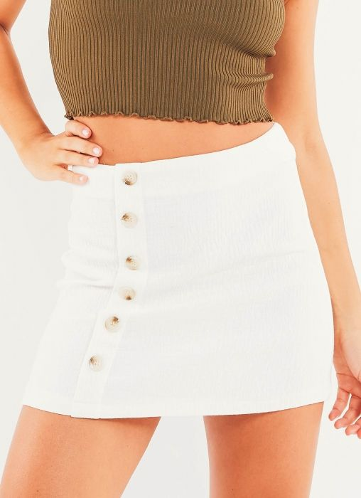 This essential white skirt will always be by your side! Declare Skirt - White