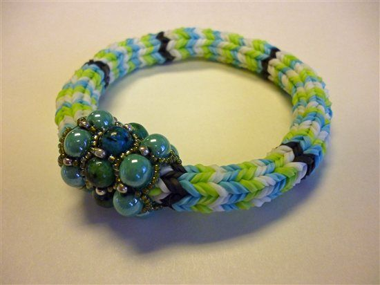 Making rubber band jewelry w/o a Rainbow Loom, Bead & Button #rainbowloom