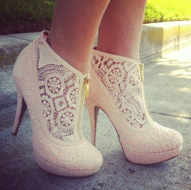 lace booties. obsessed!