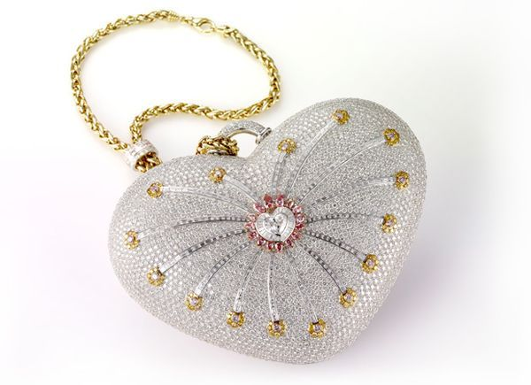 "Top 12 handbags the most expensive in the world, there is no interest to walk with anywhere. (No. 1 Mouawad ""1001 Night"" - $ 3.8 million)."