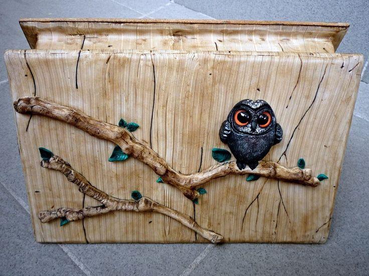 Katka Trtílková - krabička s imitací dřeva a dalších přírodnin z polymerové hmoty podle workshopu Adrey Zajacové