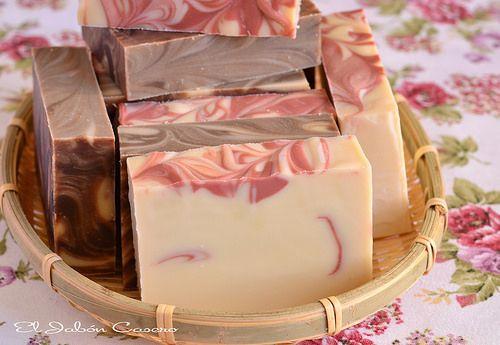 """El Jabón Casero. Jabones vintage """"Chocolate y Fresas"""" hechos a mano especialmente para detalles de una boda."""