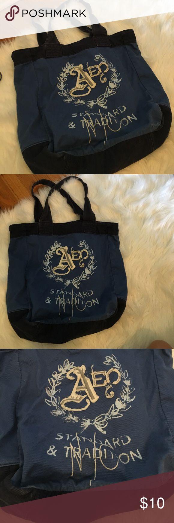 American eagle blue tote. Shoulder bag AEO blue tote. With zipper pocket on inside. Good condition American Eagle Outfitters Bags Shoulder Bags