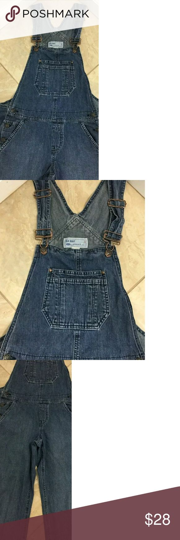 Old Navy Overalls Excellent condition! Old navy overalls, size medium! So cute with a little tank top on a summer day! Old Navy Jeans Overalls