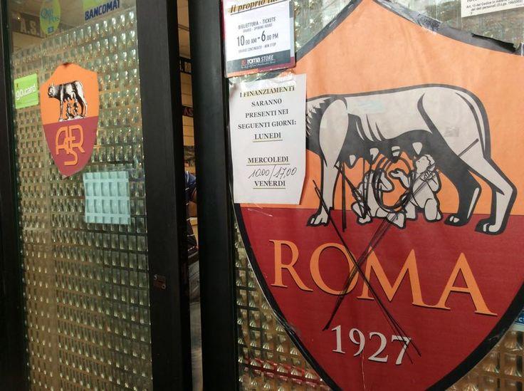 AS ROMA STORE  Via Appia  #noalnuovostemma