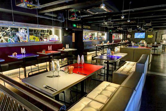 WorldGuide recommends Stars'n'Bars in Monaco - Restaurants & Bars - Monte Carlo - Monaco - Europe - Travel
