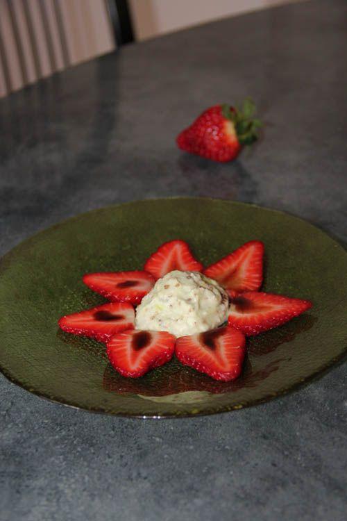 Les fraises au caramel balsamique et glace wasabi de Orts11