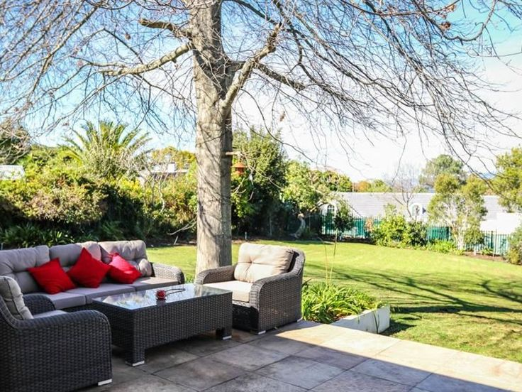 Modern Luxury Apartment - Make the most of your Western Cape vacation with a stay in this comfortable modern villa! Complete with a private pool, a comfortably furnished terrace, and a gourmet kitchen, this stylish vacation rental ... #weekendgetaways #somersetwest #winelands #southafrica