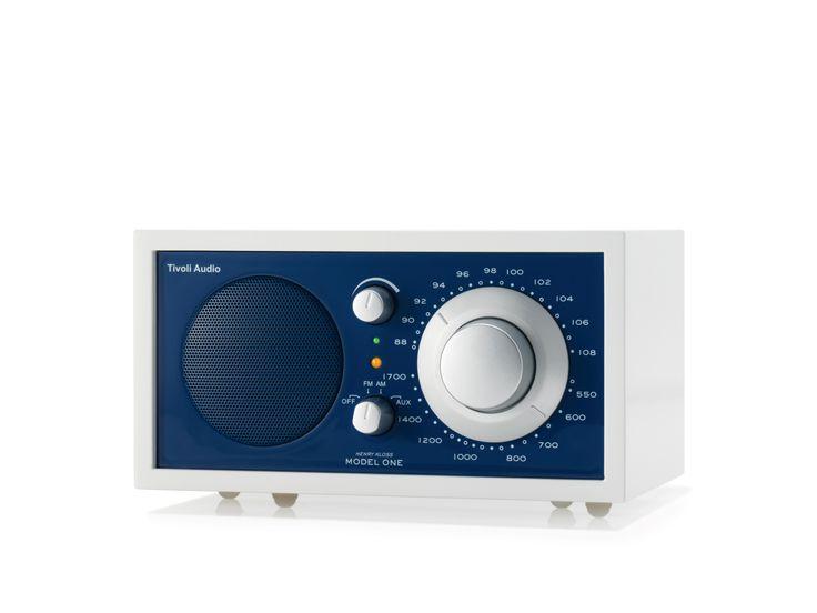 Μουσική παντού!  Ραδιόφωνο Tivoli υψηλής τεχνολογίας και minimal design, στο M Shop – To Κατάστημα του Μεγάρου.
