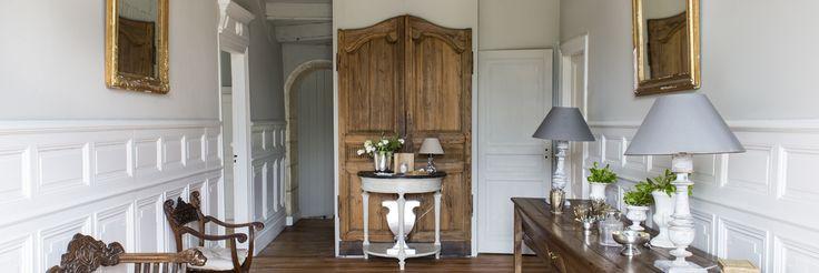 Maison d'hôtes de charme Châteaux et Hôtels collection, Bordeaux, 5 chambres, une avec jacuzzi privatif. Table d'hôtes, piscine, TV, Wifi et climatisation.