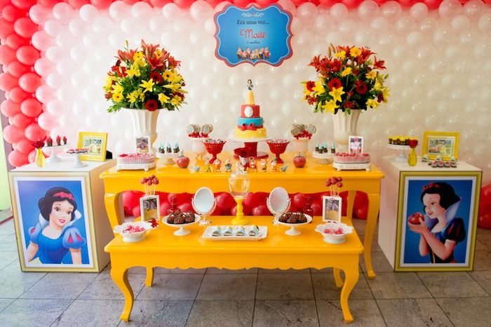 #Snow White #party #candycorner