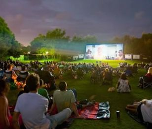 Small Discoveries #44 Όλη η Αθήνα… ένα θερινό σινεμά Μοναδικές βραδιές με εξαιρετικές κλασικές ταινίες μας επιφυλάσσει για φέτος το 5ο Open Air Film Festival, που έχει μετατρέψει γωνιές της πόλης μας σε θερινό σινεμά. (http://gynaikaeveryday.gr/?page=calendar&day=2015-07-02)